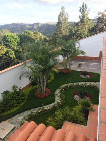 Casa Distrito Metropolitano>Caracas>La Union - Venta:350.000 US Dollar - codigo: 18-3406