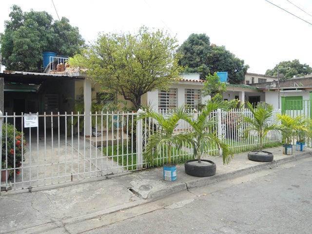Casa Aragua>Maracay>La Esmeralda - Venta:22.202.000.000 Precio Referencial - codigo: 18-3520