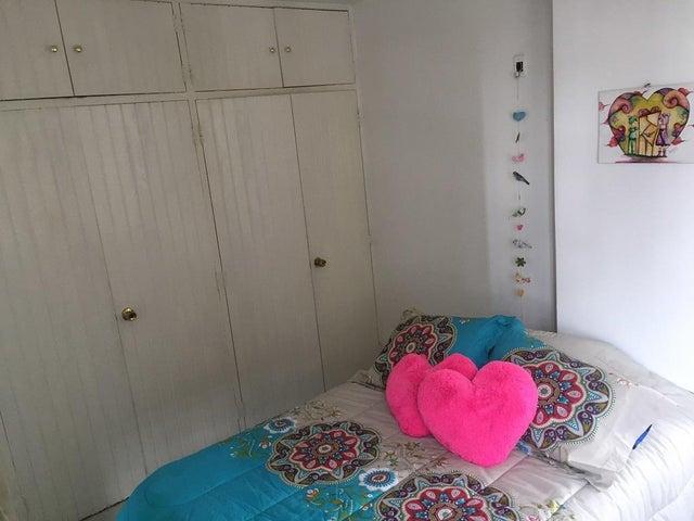 Apartamento Distrito Metropolitano>Caracas>Santa Eduvigis - Venta:42.751.000.000 Precio Referencial - codigo: 18-252