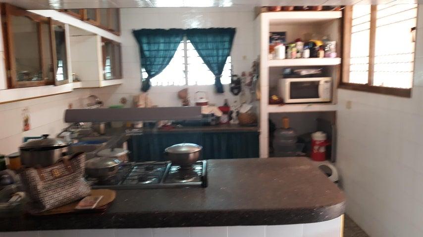 Casa Zulia>Cabimas>Ambrosio - Venta:313.839.000.000 Precio Referencial - codigo: 18-3614