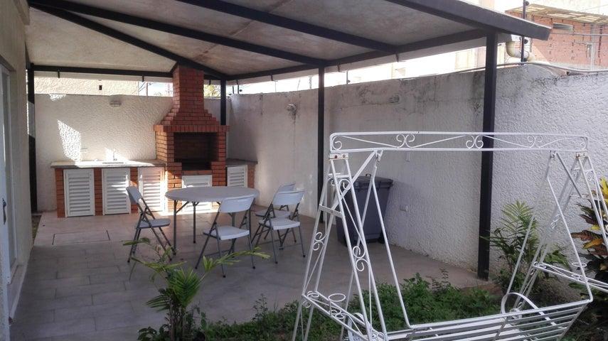 Townhouse Bolivar>Ciudad Bolivar>Andres Eloy Blanco - Venta:18.105.000.000 Bolivares - codigo: 18-3594