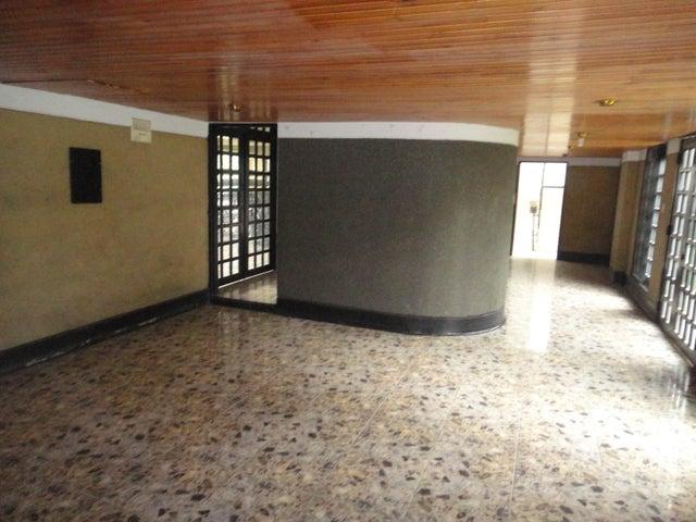 Apartamento Distrito Metropolitano>Caracas>El Paraiso - Venta:14.711.000.000 Bolivares Fuertes - codigo: 18-3608