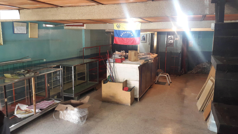 Local Comercial Zulia>Maracaibo>Centro - Venta:1.175.000.000 Bolivares - codigo: 18-3617