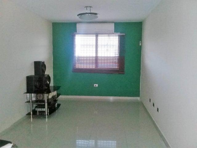 Apartamento Carabobo>Municipio Los Guayos>Paraparal - Venta:6.000 Precio Referencial - codigo: 18-3620