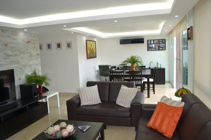 Apartamento Distrito Metropolitano>Caracas>Escampadero - Venta:2.072.520.000.000 Precio Referencial - codigo: 18-3619