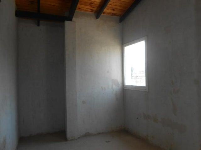 Casa Aragua>Cagua>Centro - Venta:3.525.000.000 Bolivares - codigo: 18-3637