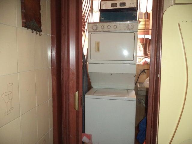Apartamento Distrito Metropolitano>Caracas>Parroquia La Candelaria - Venta:212.667.000.000 Precio Referencial - codigo: 18-3644