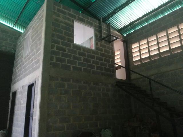 Galpon - Deposito Lara>Cabudare>Parroquia Jose Gregorio - Venta:5.875.000.000 Bolivares - codigo: 18-3650