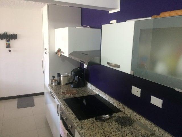 Apartamento Distrito Metropolitano>Caracas>El Encantado - Venta:50.000 US Dollar - codigo: 18-3668