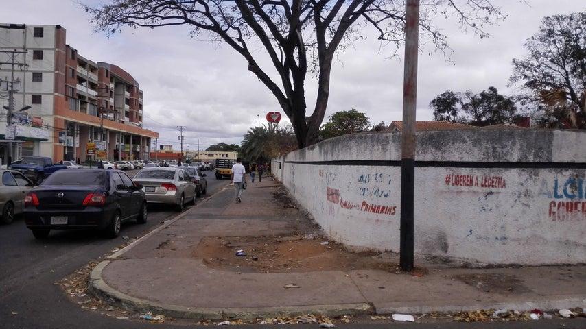 Terreno Bolivar>Ciudad Bolivar>Casco Central - Venta:23.500.000.000 Bolivares - codigo: 18-3658