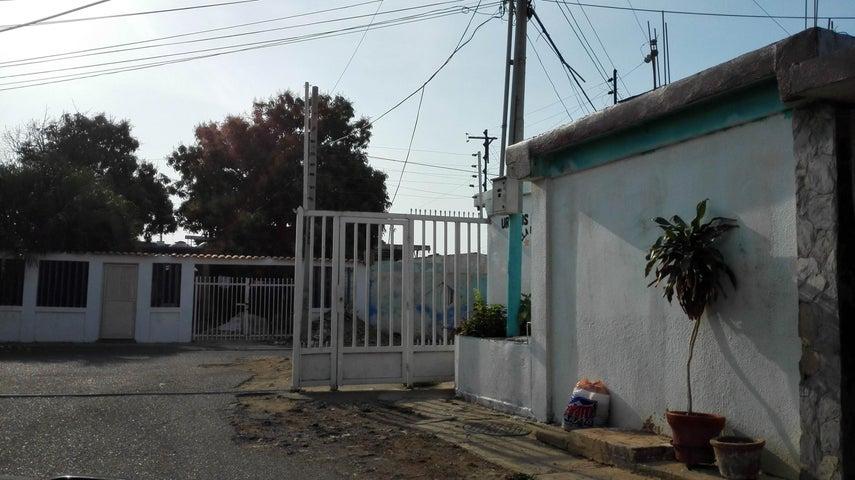 Casa Zulia>Maracaibo>Los Mangos - Venta:3.721.000.000 Precio Referencial - codigo: 18-3962