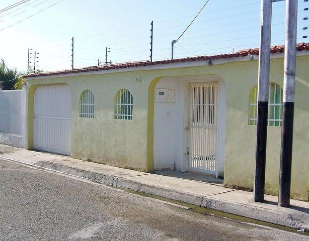 Casa Aragua>Turmero>Valle Lindo de Turmero - Venta:3.236.000.000 Bolivares - codigo: 18-3691