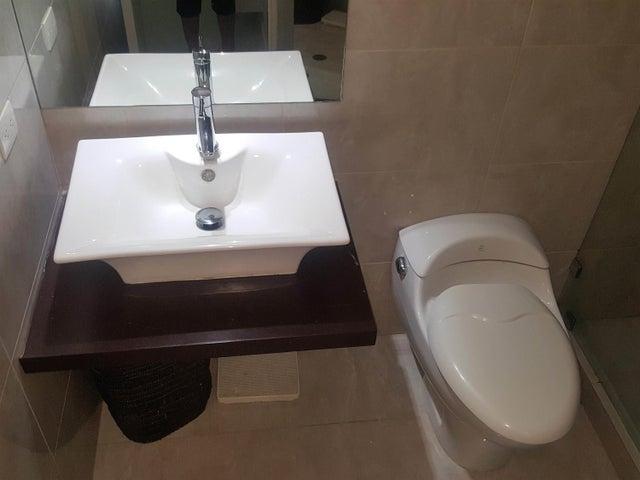 Apartamento Distrito Metropolitano>Caracas>Lomas del Sol - Venta:140.000 US Dollar - codigo: 18-3702