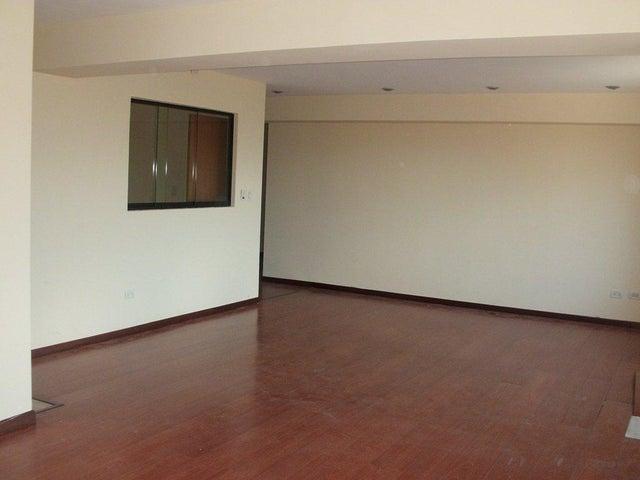 Apartamento Distrito Metropolitano>Caracas>Lomas de La Lagunita - Venta:450.000 Precio Referencial - codigo: 18-3807