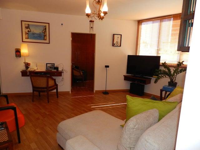 Apartamento Distrito Metropolitano>Caracas>Chacao - Venta:60.000 Precio Referencial - codigo: 18-3786