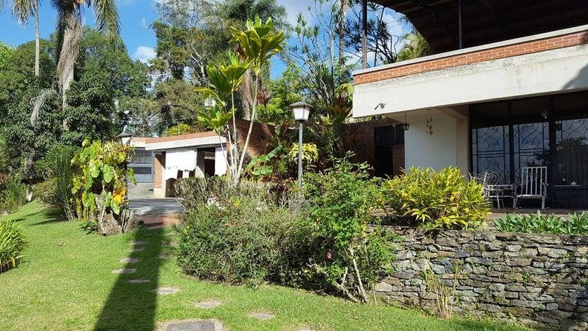 Casa Distrito Metropolitano>Caracas>Oripoto - Venta:300.000 Precio Referencial - codigo: 18-3773