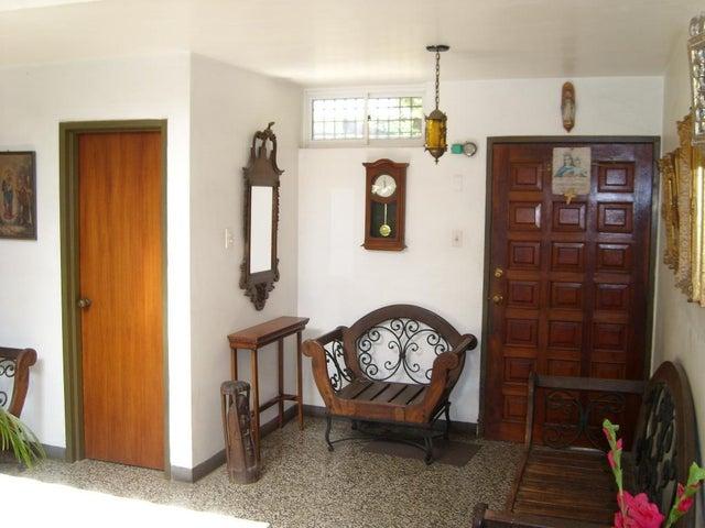 Casa Zulia>Maracaibo>Irama - Venta:8.427.000 Precio Referencial - codigo: 18-3789