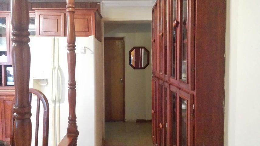 Apartamento Zulia>Maracaibo>Avenida El Milagro - Venta:15.000 Precio Referencial - codigo: 18-3963