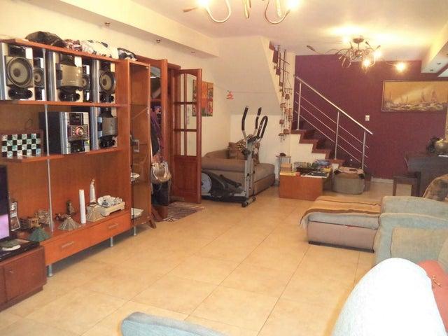 Casa Distrito Metropolitano>Caracas>La California Norte - Venta:200.000 Precio Referencial - codigo: 18-3953