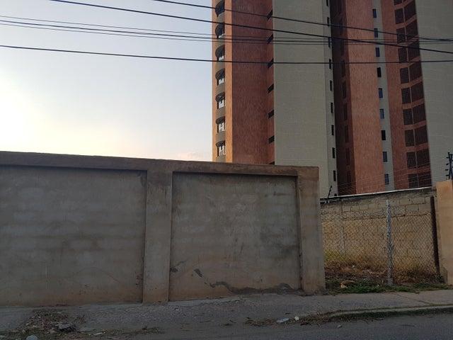 Terreno Zulia>Cabimas>Ambrosio - Venta:3.900 Precio Referencial - codigo: 18-3985