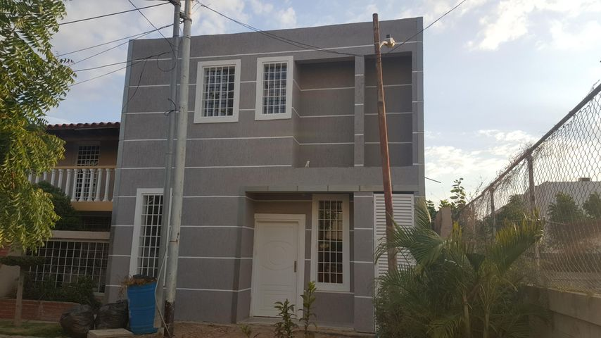 Casa Zulia>Cabimas>Buena Vista - Venta:18.000 Precio Referencial - codigo: 18-4093