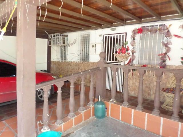 Casa Lara>Cabudare>Parroquia Jose Gregorio - Venta:10.000 US Dollar - codigo: 18-4274