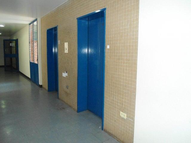 Oficina Aragua>Maracay>Calicanto - Venta:37.605.000.000 Precio Referencial - codigo: 18-4121