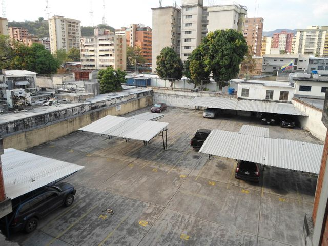 Oficina Aragua>Maracay>Calicanto - Venta:1.013.000 Precio Referencial - codigo: 18-4121