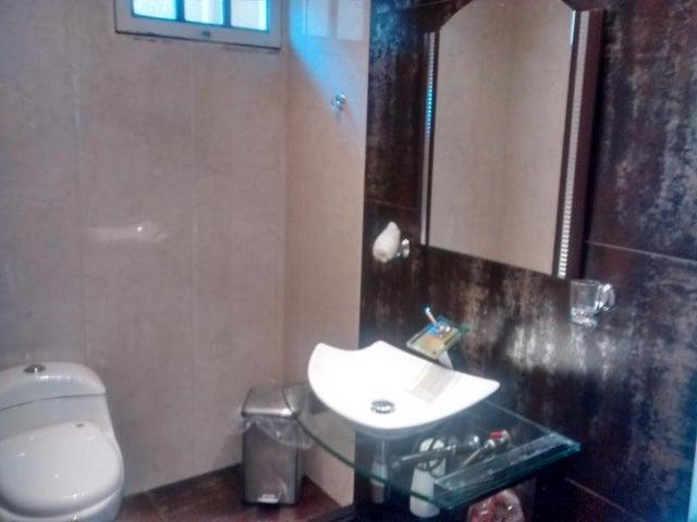 Casa Zulia>Ciudad Ojeda>Calle Piar - Venta:90.000 Precio Referencial - codigo: 18-4141