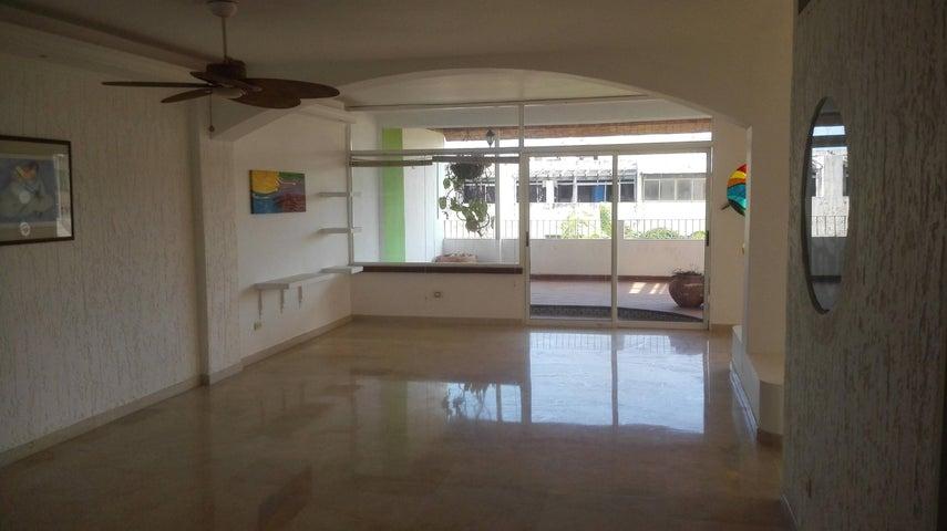 Apartamento Zulia>Maracaibo>Juana de Avila - Venta:3.909.000 Precio Referencial - codigo: 18-4277