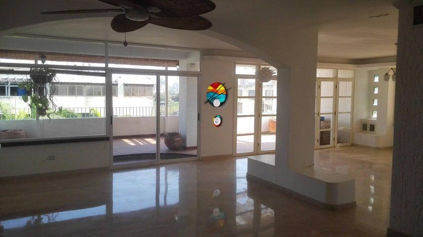 Apartamento Zulia>Maracaibo>Juana de Avila - Venta:30.536.000.000 Precio Referencial - codigo: 18-4277