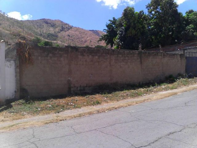 Terreno Guarico>San Juan de los Morros>Las Palmas - Venta:45.000 Precio Referencial - codigo: 18-4555