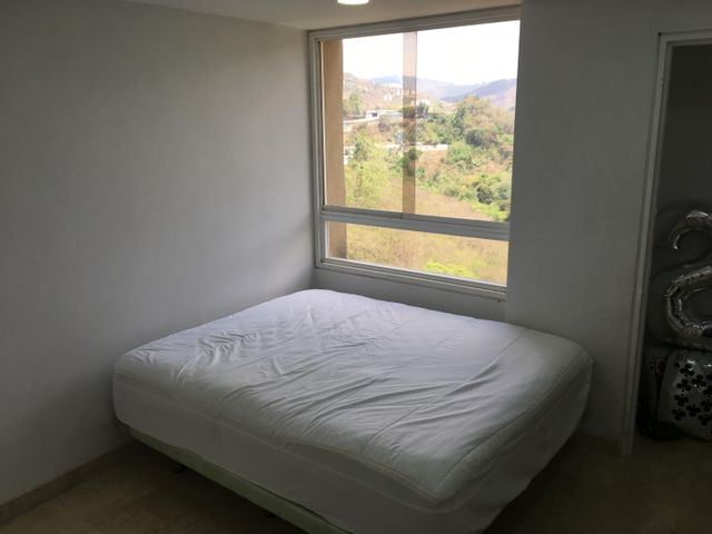 Apartamento Distrito Metropolitano>Caracas>Macaracuay - Venta:120.000 Precio Referencial - codigo: 18-4575