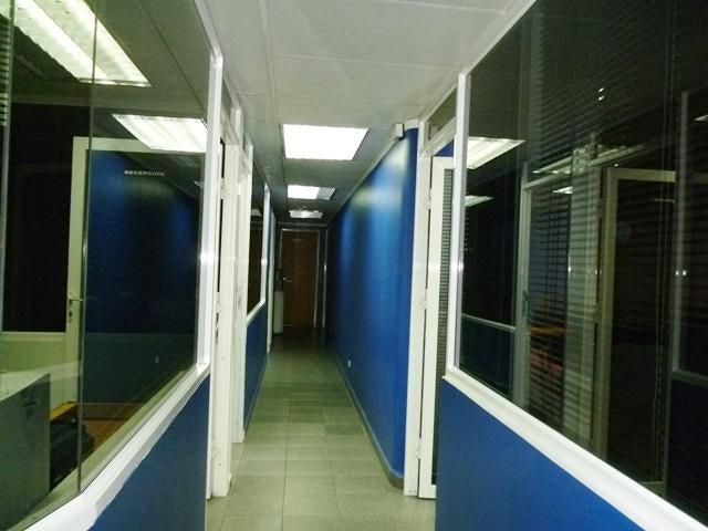 Oficina Distrito Metropolitano>Caracas>Sabana Grande - Venta:60.000 Precio Referencial - codigo: 18-4600