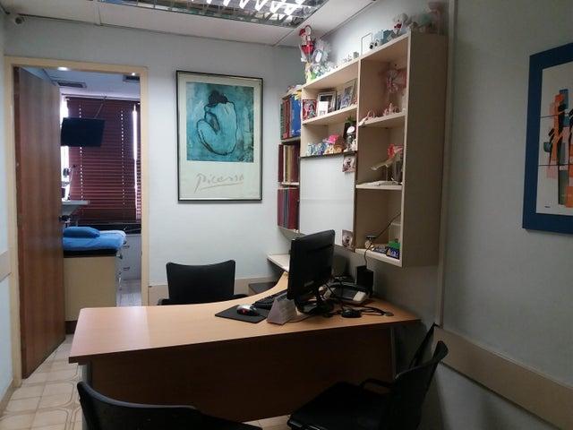 Consultorio Medico  Distrito Metropolitano>Caracas>San Bernardino - Venta:15.000 Precio Referencial - codigo: 18-4616