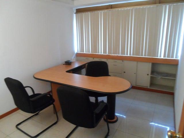 Oficina Distrito Metropolitano>Caracas>Los Palos Grandes - Venta:350.000 Precio Referencial - codigo: 18-4683