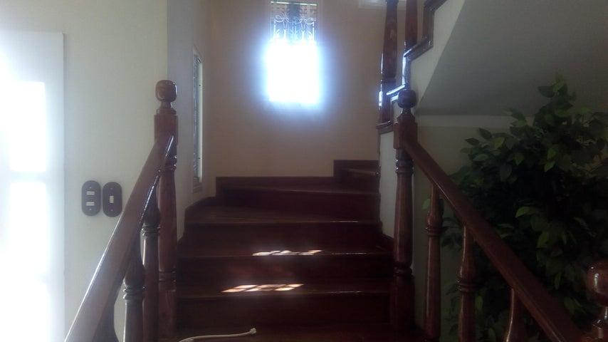 Casa Miranda>Charallave>Charallave Country - Venta:50.000 US Dollar - codigo: 18-4748