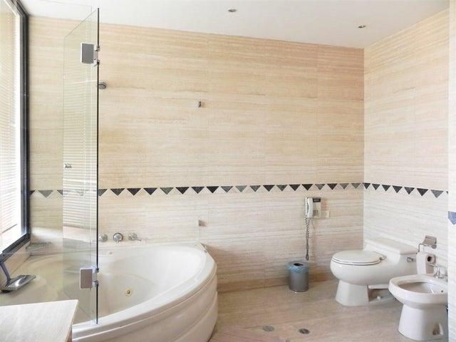 Apartamento Distrito Metropolitano>Caracas>Los Chorros - Venta:495.000 US Dollar - codigo: 16-16335