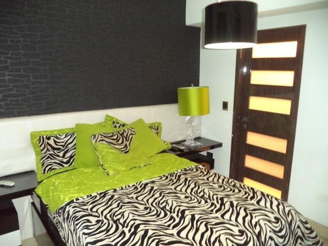 Apartamento Distrito Metropolitano>Caracas>Los Naranjos de Las Mercedes - Venta:598.000 Precio Referencial - codigo: 18-4860