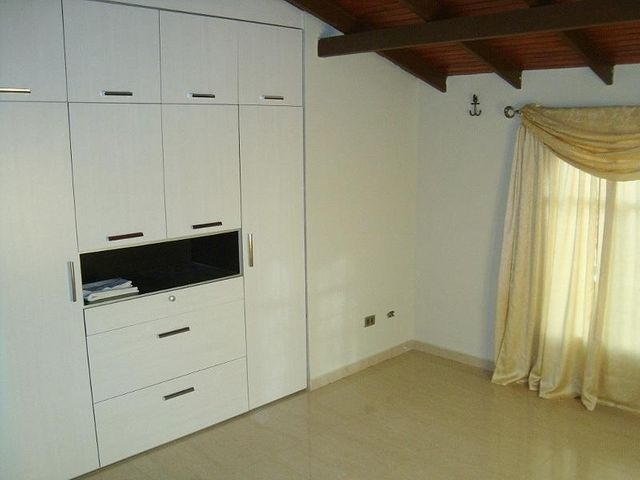 Casa Anzoategui>El Tigre>Sector Avenida Jesus Subero - Venta:55.000 US Dollar - codigo: 18-6351