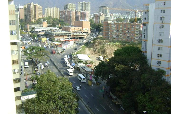 Apartamento Distrito Metropolitano>Caracas>La California Norte - Venta:125.782.000 Precio Referencial - codigo: 18-4988
