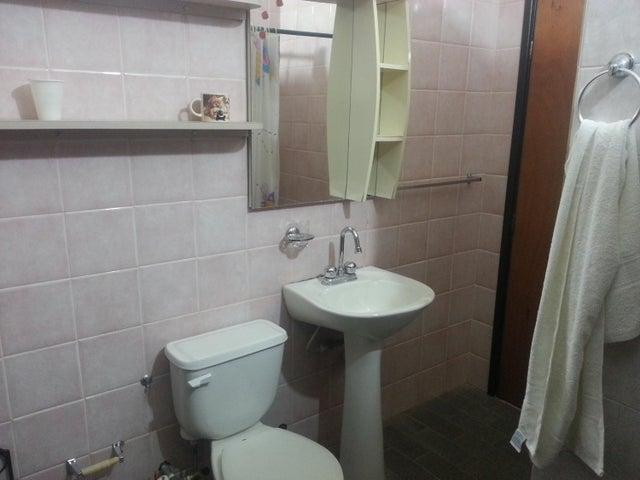 Townhouse Zulia>Ciudad Ojeda>La N - Venta:25.000 Precio Referencial - codigo: 18-5010