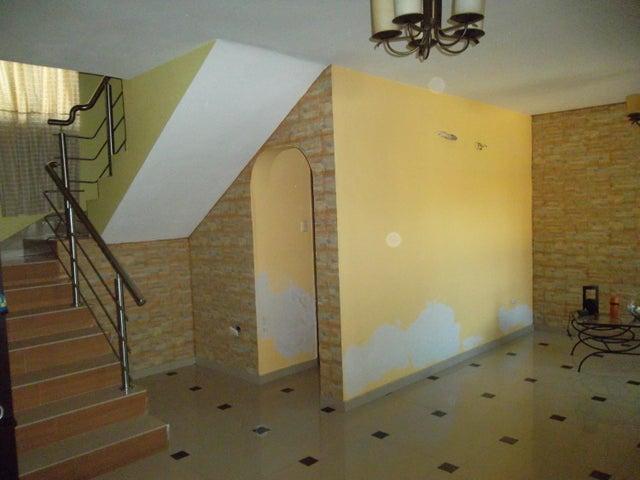 Townhouse Carabobo>Municipio San Diego>Caracaras - Venta:151.473.000 Precio Referencial - codigo: 18-5033