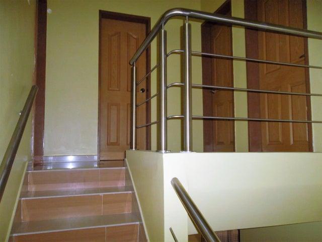 Townhouse Carabobo>Municipio San Diego>Caracaras - Venta:65.000 Precio Referencial - codigo: 18-5033