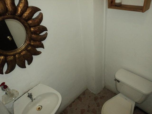 Casa Miranda>Guatire>Villa Del Este - Venta:25.654.000.000 Precio Referencial - codigo: 18-4948
