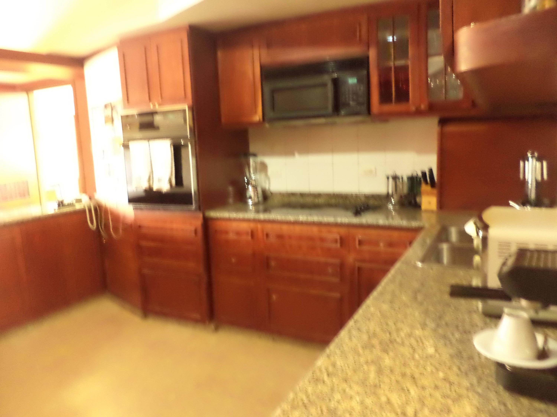 Apartamento Zulia>Maracaibo>Avenida El Milagro - Venta:580.667.000.000 Precio Referencial - codigo: 18-5066