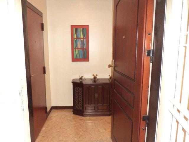 Apartamento Zulia>Maracaibo>Avenida El Milagro - Venta:88.186.000 Precio Referencial - codigo: 18-5066