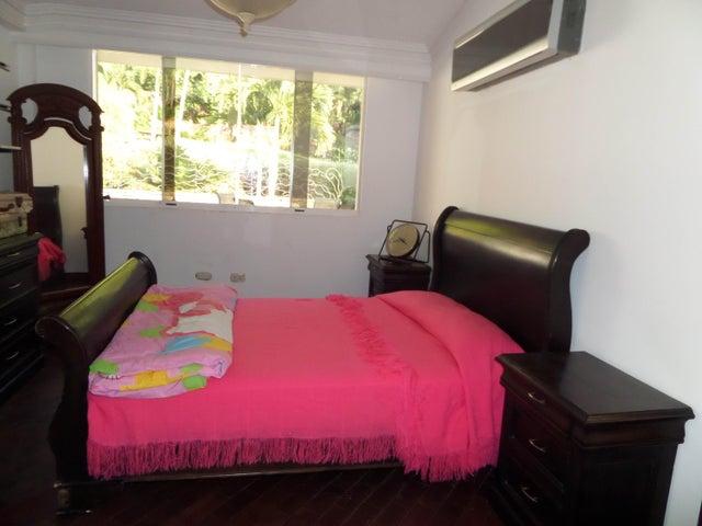 Townhouse Aragua>Maracay>Lomas de Palmarito - Venta:130.312.000 Precio Referencial - codigo: 18-5065