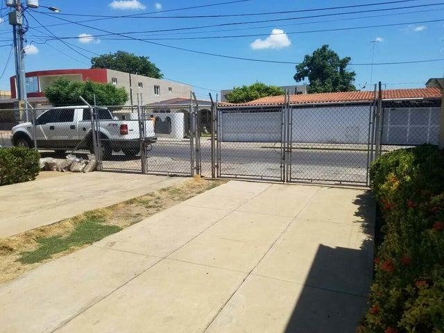 Casa Zulia>Municipio San Francisco>La Coromoto - Venta:3.909.000 Precio Referencial - codigo: 18-5088