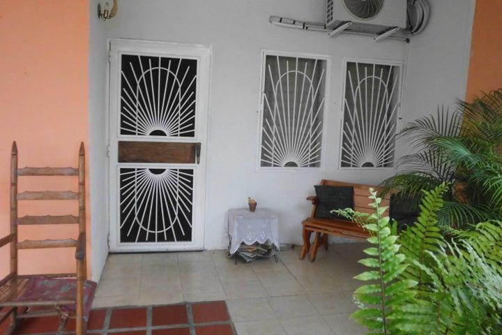 Casa Lara>Cabudare>La Piedad Norte - Venta:10.000 US Dollar - codigo: 18-5096